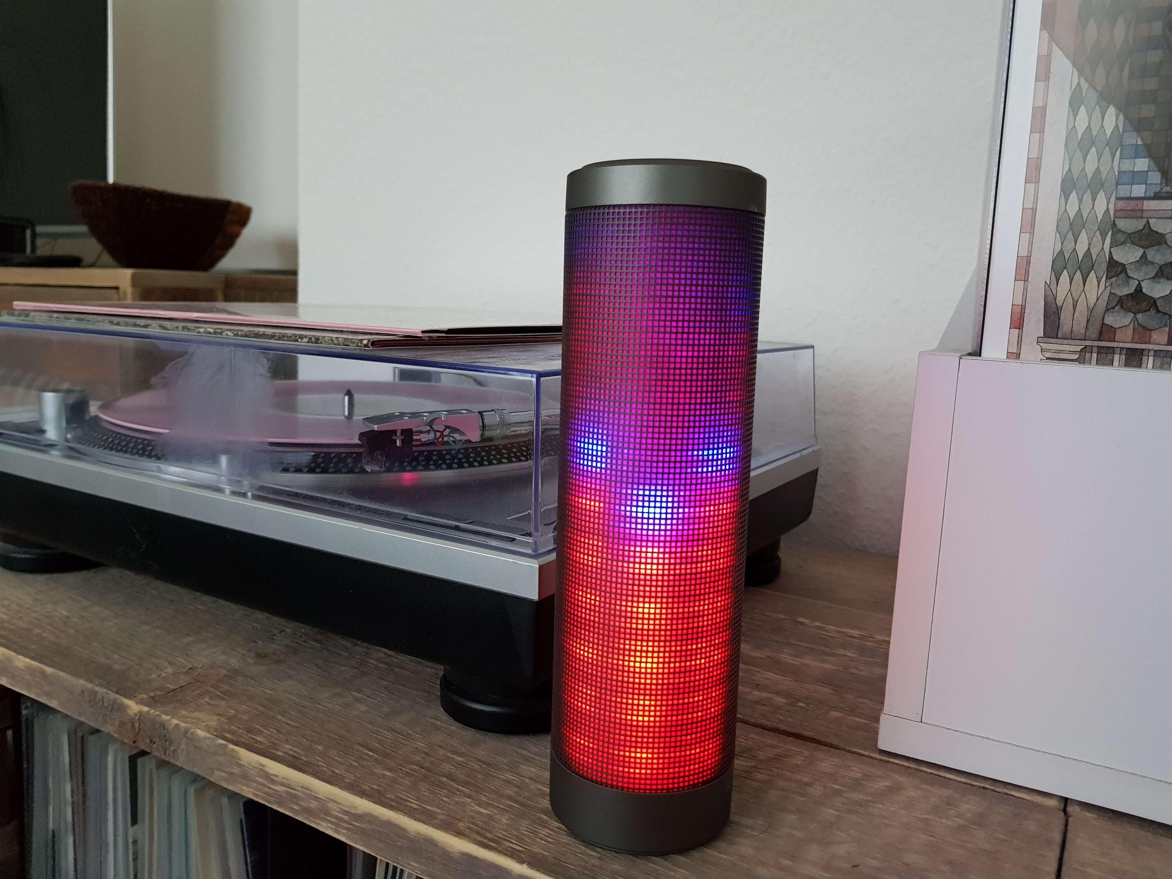 Blinkt viel, klingt gut: Bluetooth Lautsprecher Elegiant HIPHOP im Test 8