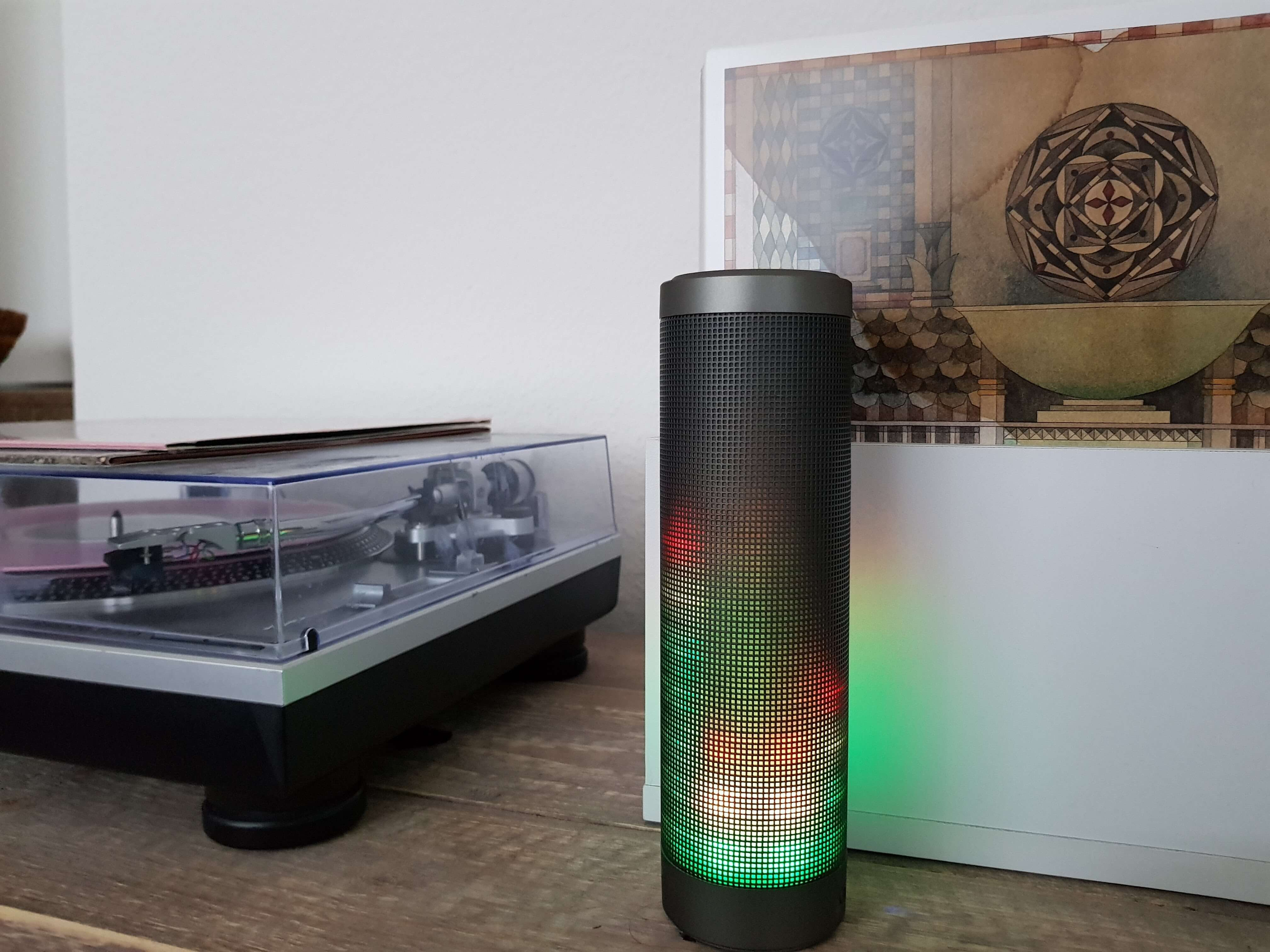 Blinkt viel, klingt gut: Bluetooth Lautsprecher Elegiant HIPHOP im Test 7