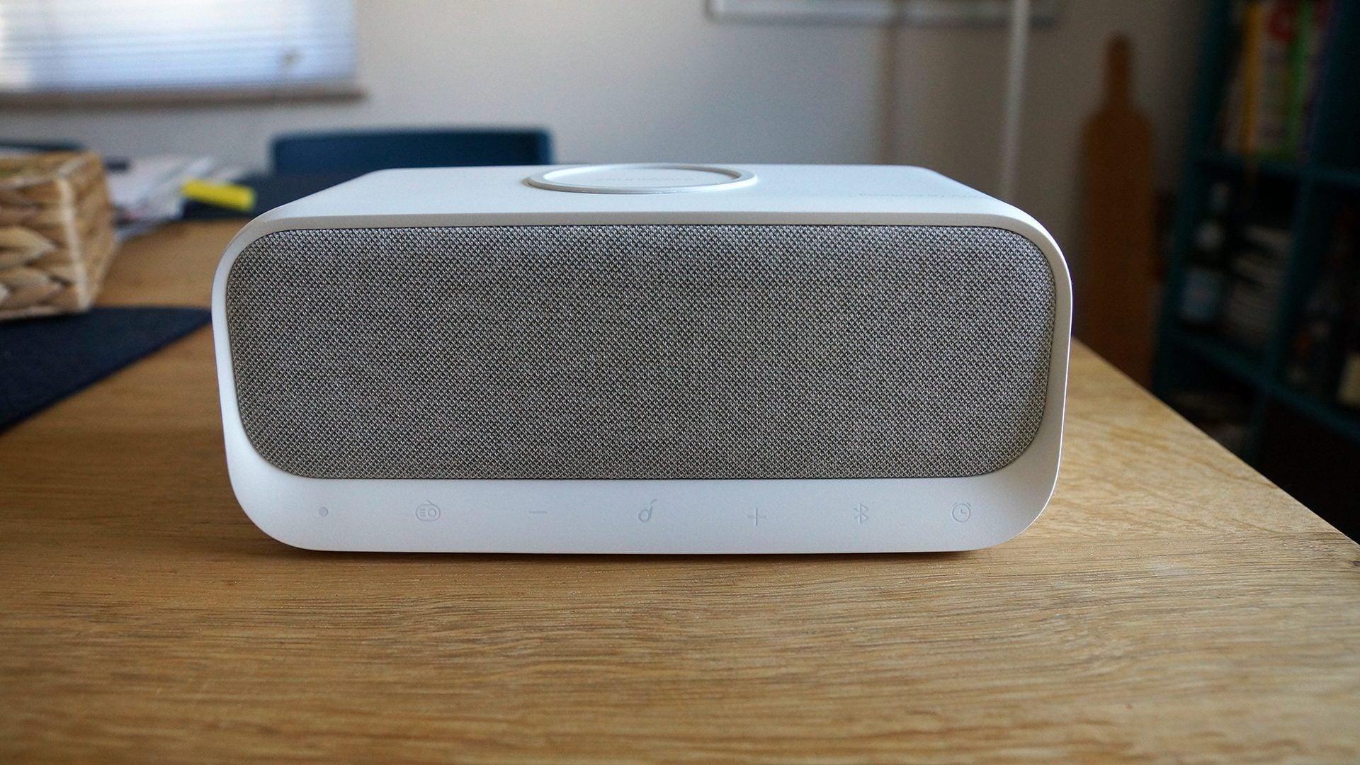 Soundcore Wakey Test – Ankers Radiowecker mit Bluetooth und Ladefunktion 24 techboys.de • smarte News, auf den Punkt! Soundcore Wakey Test – Ankers Radiowecker mit Bluetooth und Ladefunktion